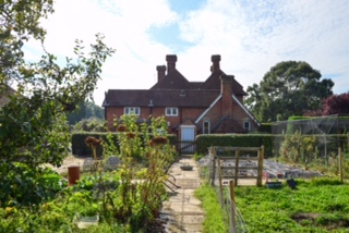 Luxury Holiday Cottage in Kent Countryside