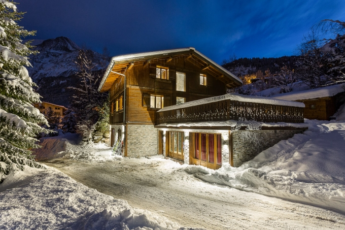 SKI IN SKI OUT LUXURY CHALET